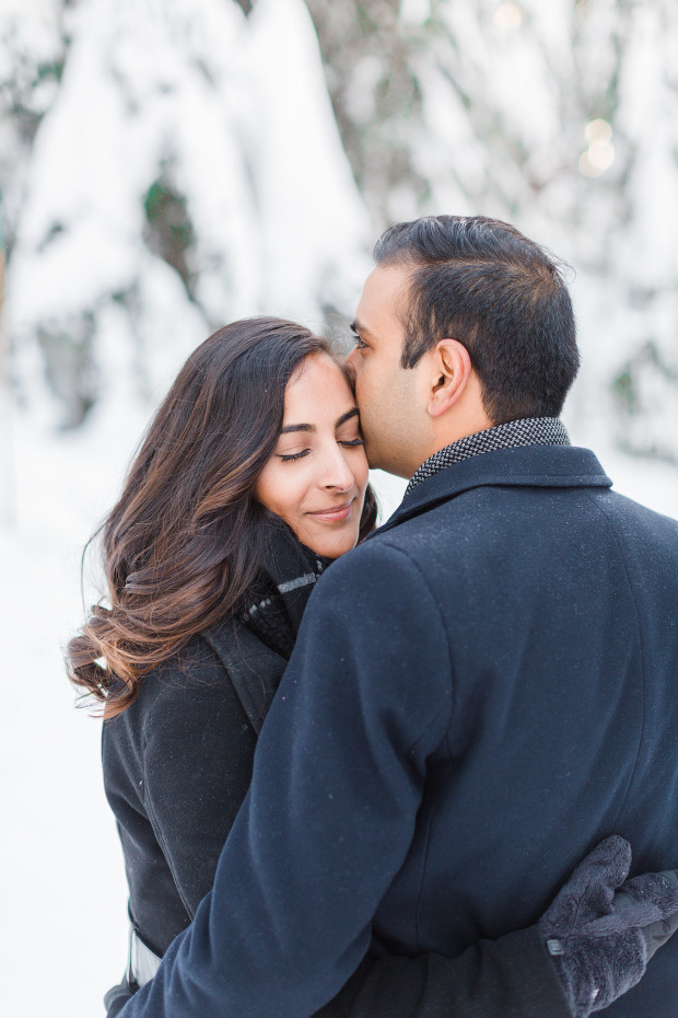 grouse-mountain-engagement-vancouver-snow-engagement-blush-sky-photography-2
